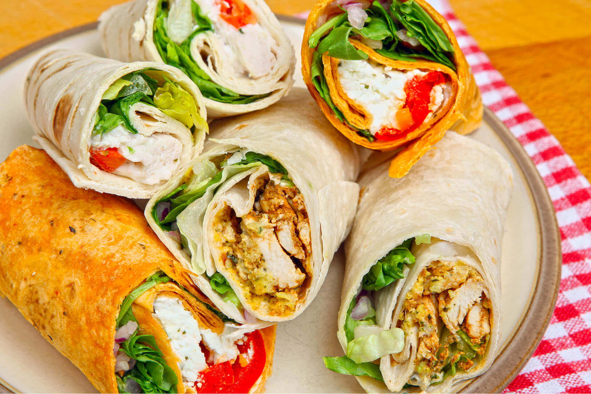 We provide lunch and dinner catering services in Regina and surrounding areas.